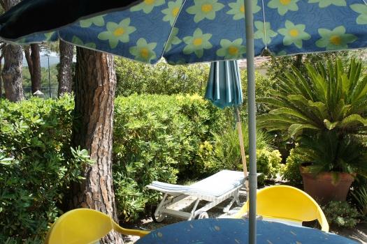 Villa Fantagalì app. 504 giardino vista verso pineta