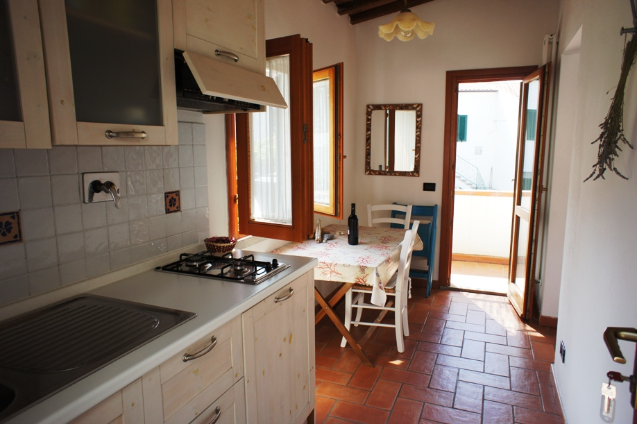 CASA SOFIA small In CHIESSI, one of our most caracteristique and most beautiful little towns on the Costa del Sole, this nice little flat is particulary suitable for 2 people. With parking.