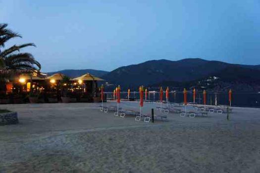Marina di Campo by night.aa-5