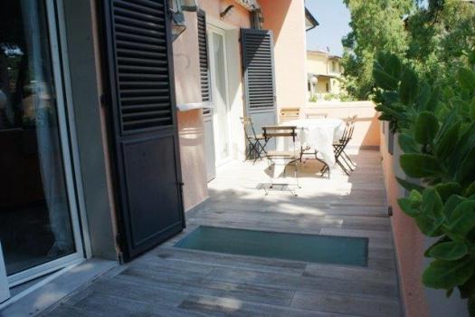 balcone 1° piano con tavolo-4
