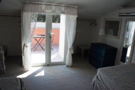 camera con 2 letti x 140 cm e balcone-4