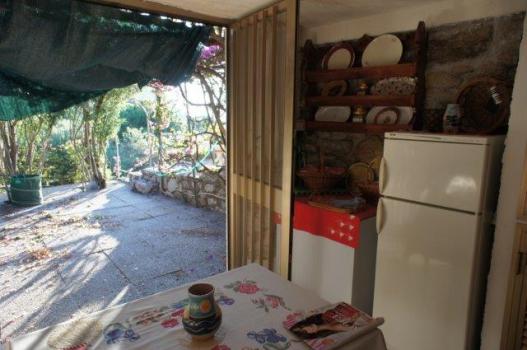 30 Zona cucina e pranzo bassa verso esterno