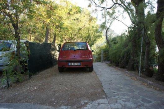 4 Accesso superiore con posto auto