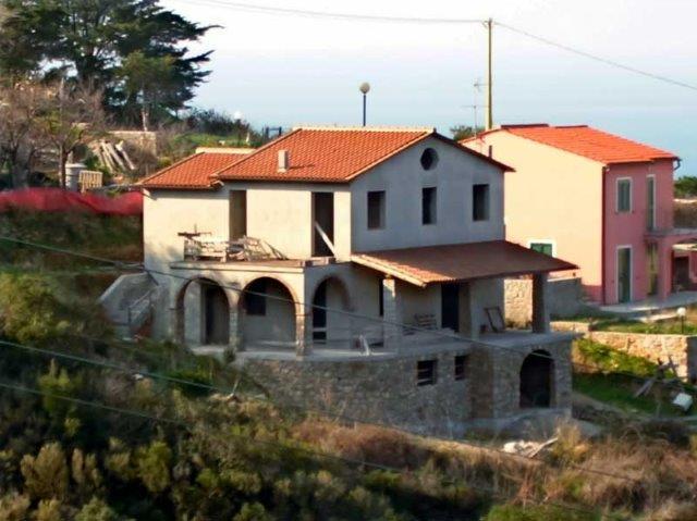 Mehrfamilinevilla in Colle d'Orano