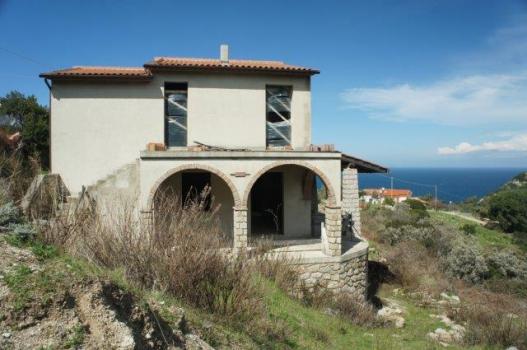 la villa e la vista verso il mare