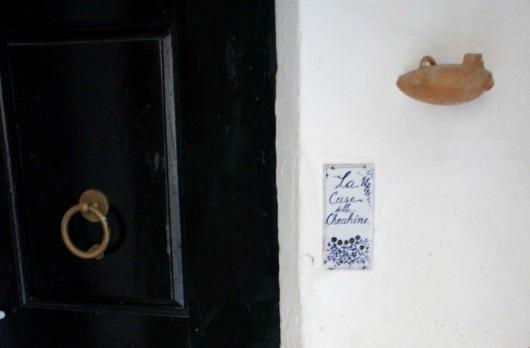 particolare porta ingresso