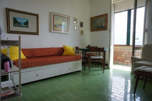 salone con divano due letti