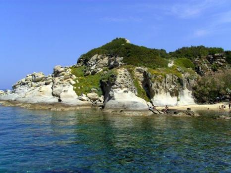 Punta e spiaggetta del Cotoncello