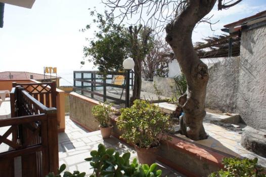 terrazzo 2, vista da terrazzo 1