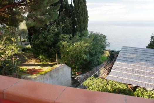 vista mare dal balcone primo piano