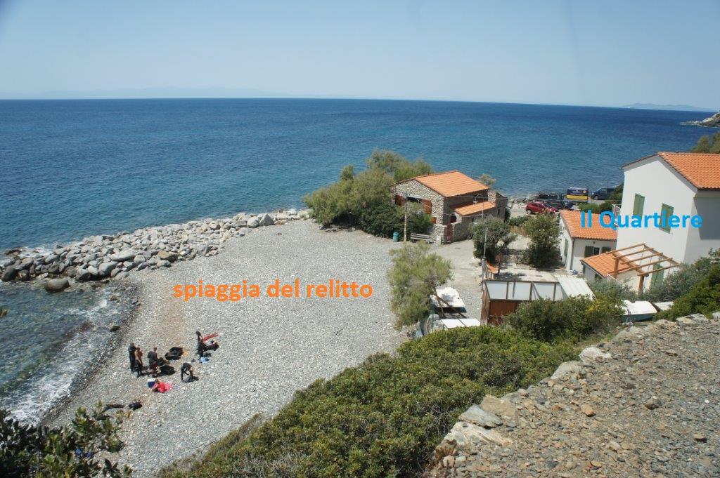 Appartamento Capraia Direttamente sul mare, a 10m dalla spiaggia del relitto a Pomonte, si trova questo appartamento con bellissima vista mare. Nuova costruzione del 2016!