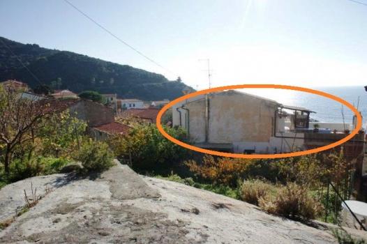 Casa La Terrazza vista dal lato monte cc