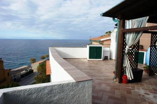 terrazza vista dalla casa