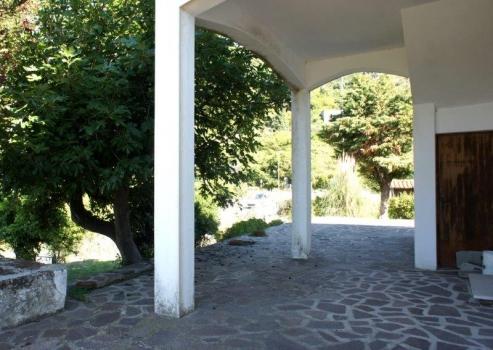 la veranda e l'accesso al trilocale