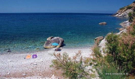 spiaggia-di-pomonte-02