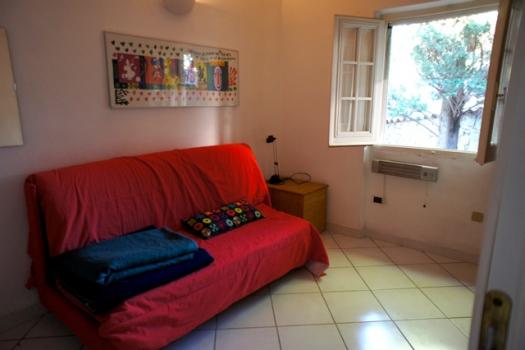 Camera con divano letto al primo piano