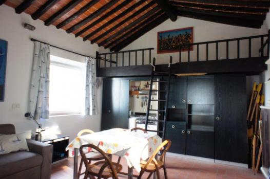 sala primo piano con due letti a castello