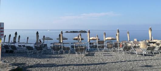 spiaggia del relitto con stabilimento balneare luglio 2018 picc