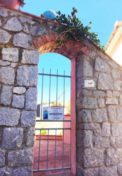 3 ingresso esterno con cancello