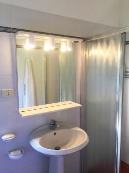 dependance_bagno-lavabo e doccia