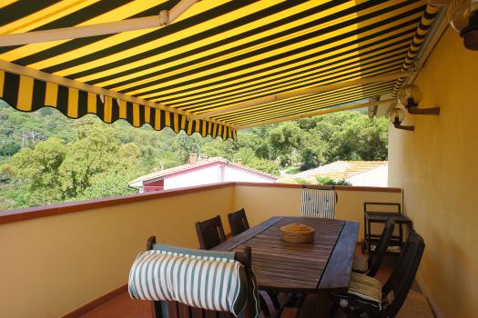 terrazzo-tavolo in legno