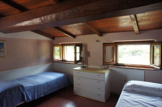 Schlafgalerie mit 2 + 1 Betten (6)