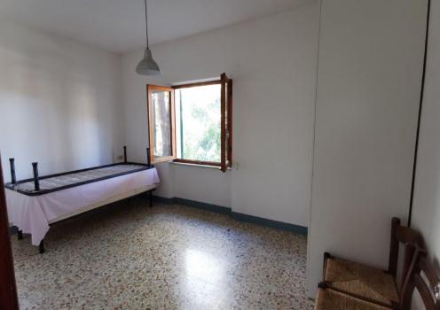 camera da letto no. 2 con vista lato mare (3)