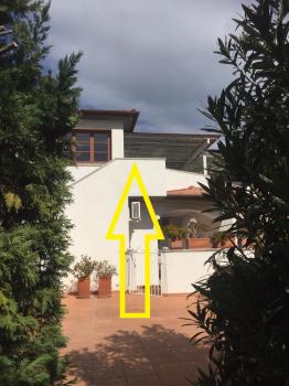 Casa Limoni Seccheto ingresso - scala d'accesso al 1° p