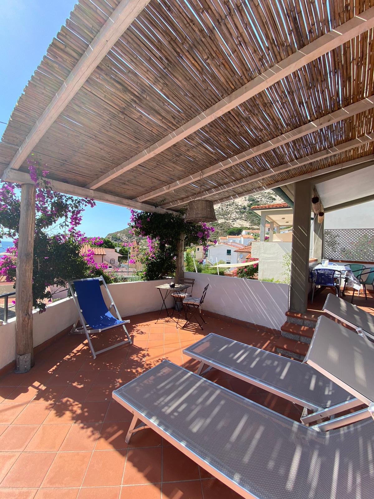 casa Sofia  In der Nähe des Meeres, in dem kleinen Fischerdorfvon Chiessi, sonnige und ruhige Lage, gepflegte Ferienwohnung für 4 Personen!