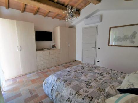 camera da letto pianterreno (9)