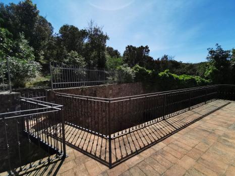 terrazzo-accesso-macchia