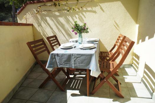 esterno-con-tavolo